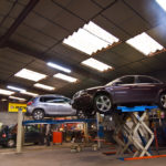 salle-mecanique-reparation-voiture-garage-