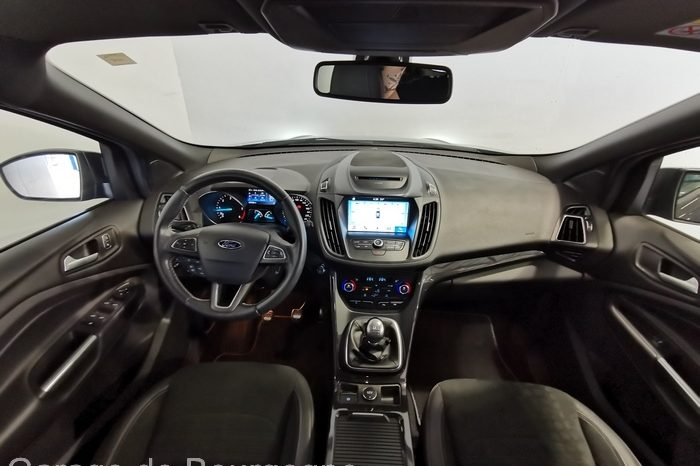 FORD – KUGA – 2.0 TDCI 150CH STOP&START ST-LINE 4X2 – 17900 Euros complet
